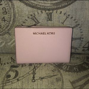 Price NOT Firm-Michael Kors JET SET TRAVEL Wallet